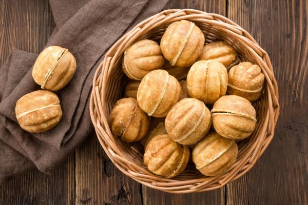 хрустящие орешки со сгущенкой