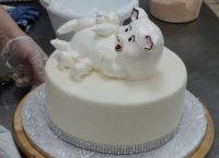 Украшение торта свинкой и поросятами